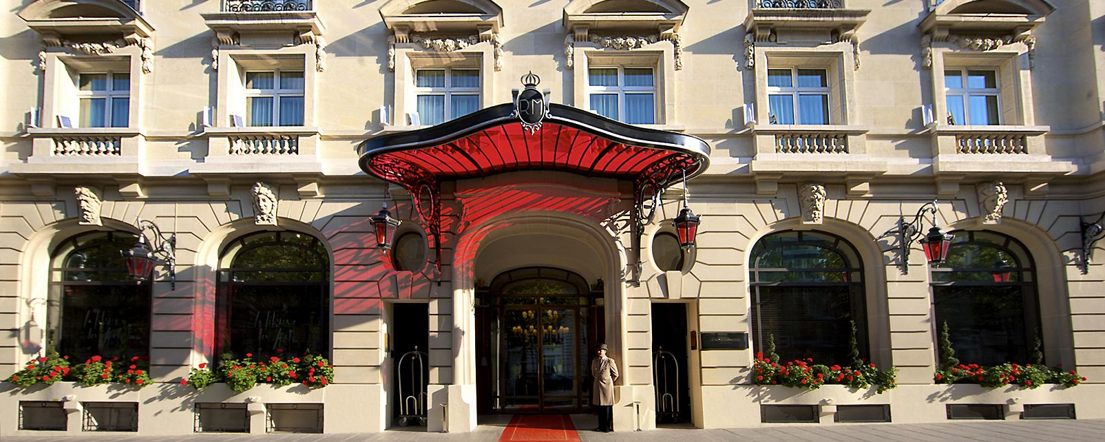 <CENTER><B>« Art District » - Royal Monceau</B></CENTER>